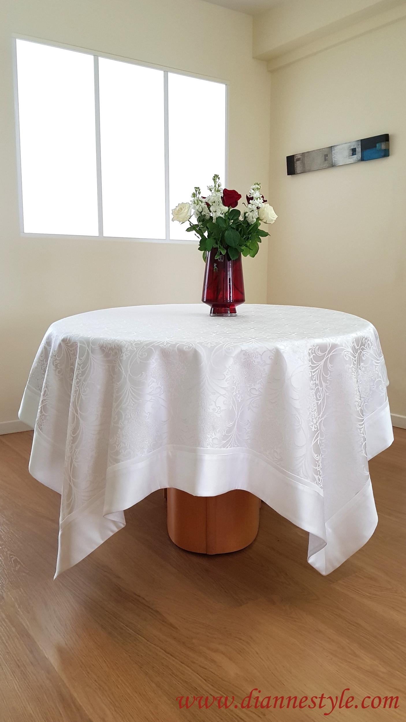Nappe blanche damassée Perle 180x240 cm. Réf. 123