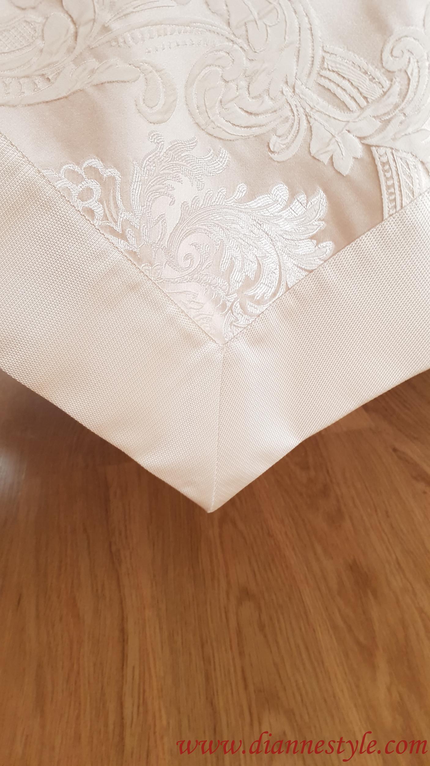 Nappe de table damassée beige Prestige 160x310 cm. Réf. 140