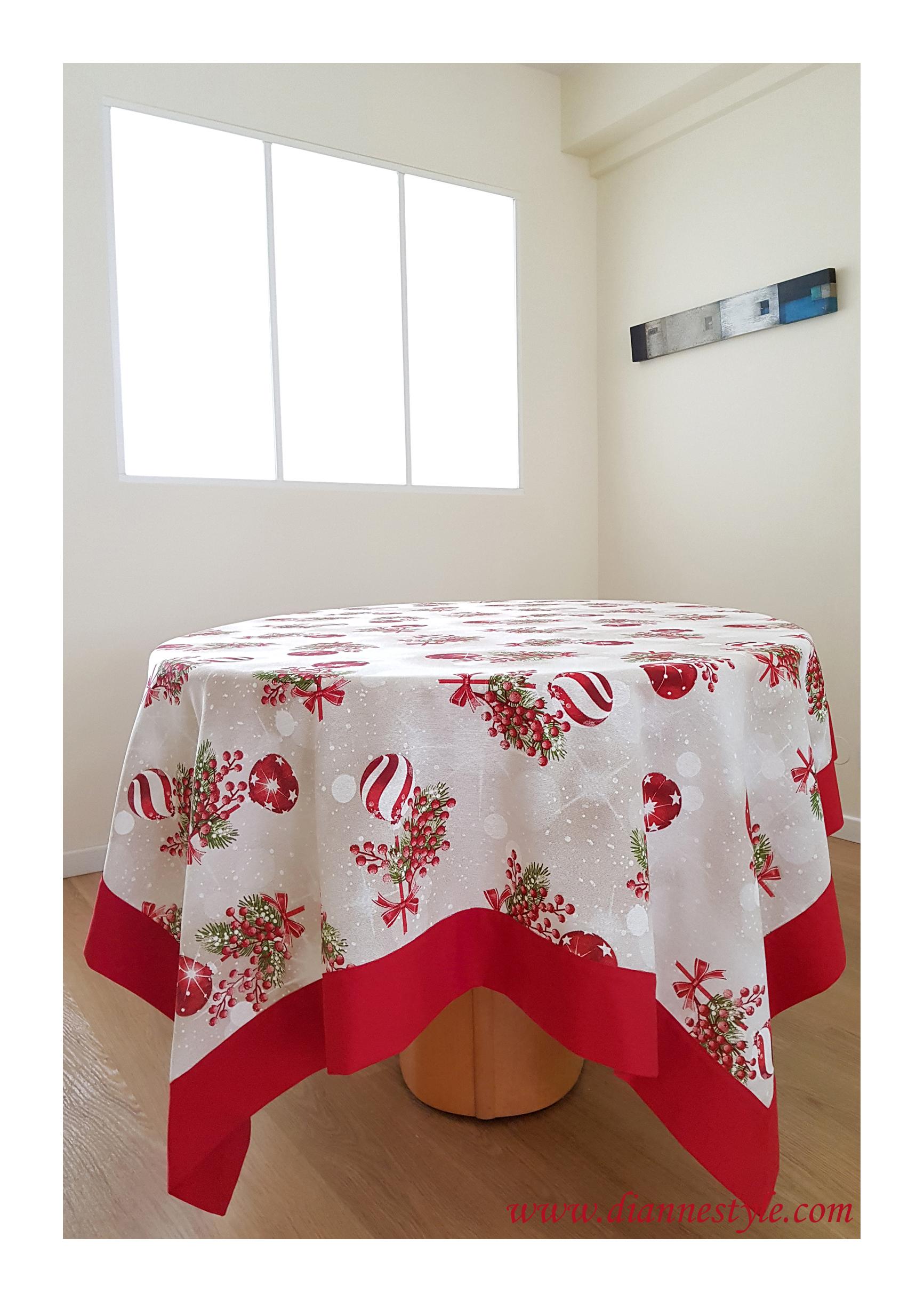 Nappe de Noël avec bordure rouge. 160x310 cm. Réf. 273