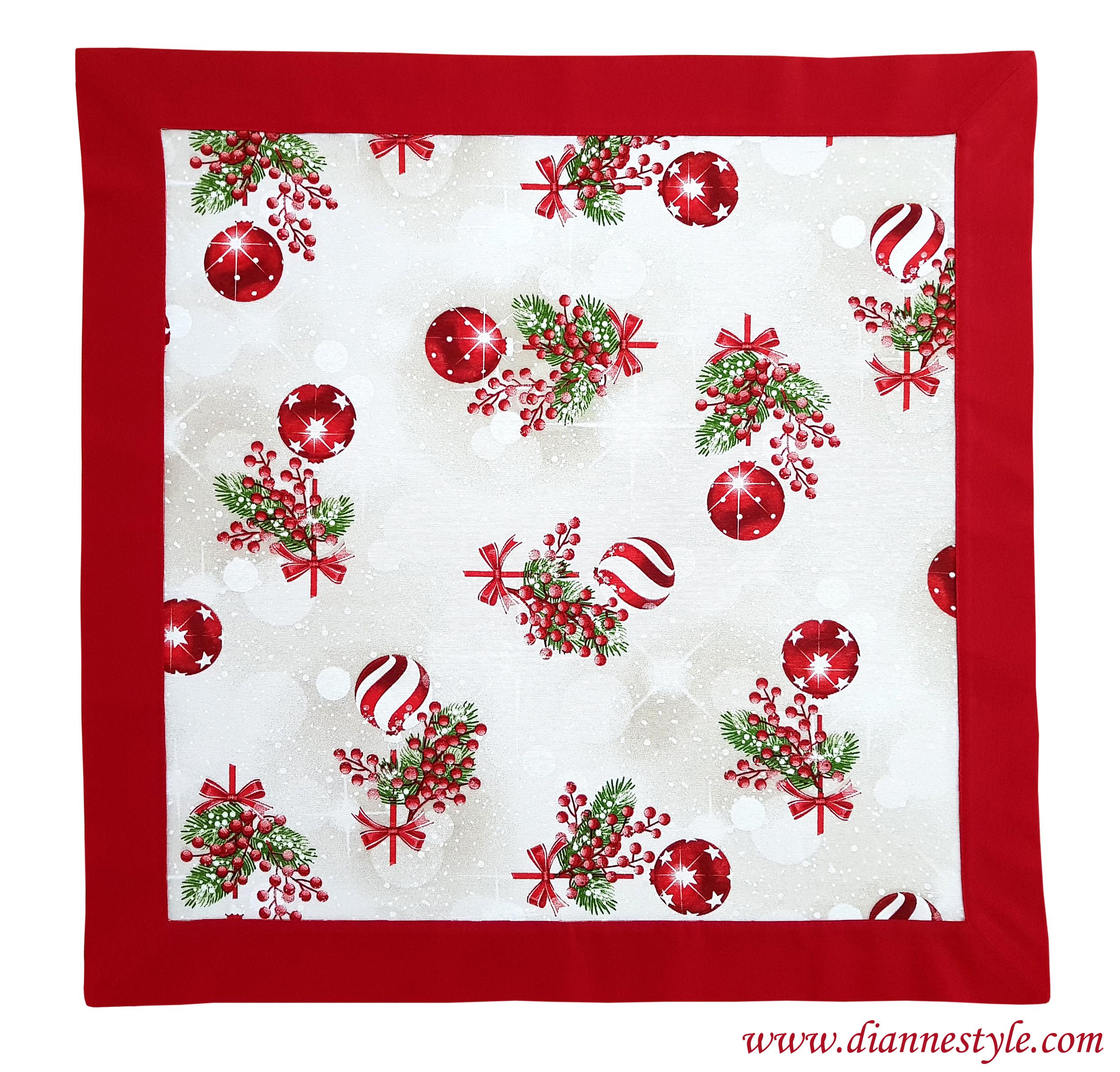 Napperon de Noël avec bordure rouge. 85x85 cm. Réf. 277