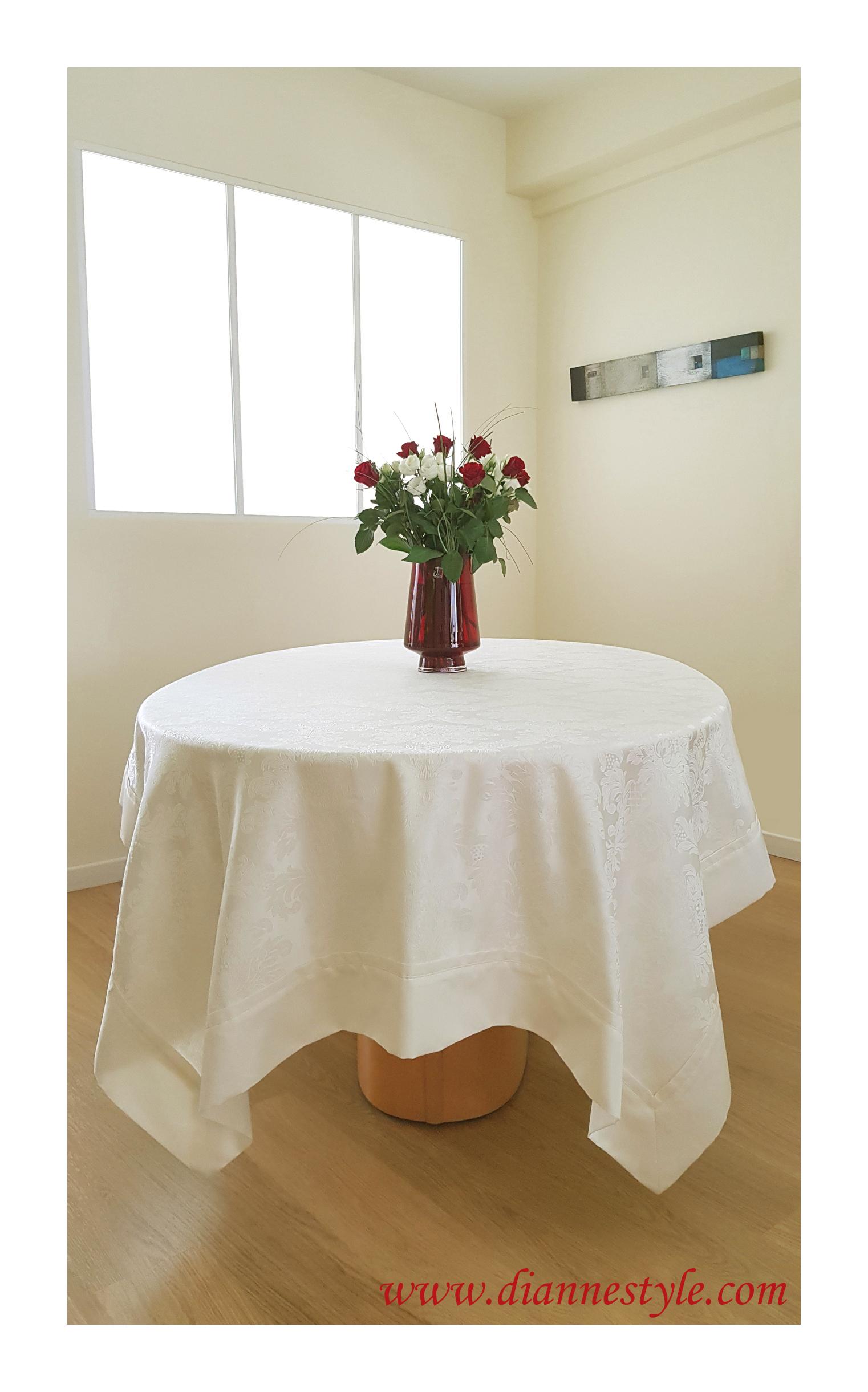 Nappe de table damassée ivoire Prestance 150x250 cm. Réf. 197