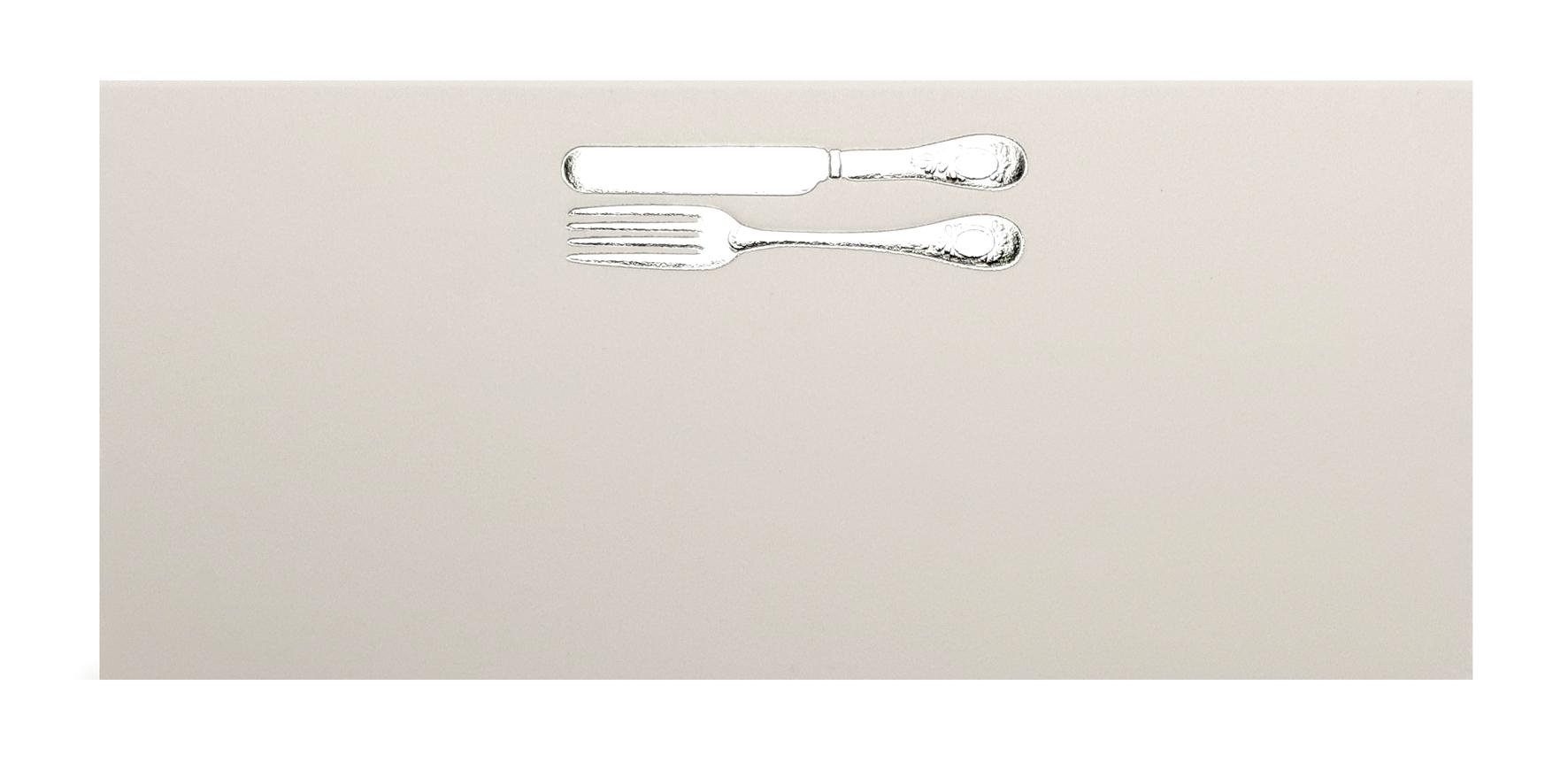 Marque-place blanc couverts argentés. Réf. 209