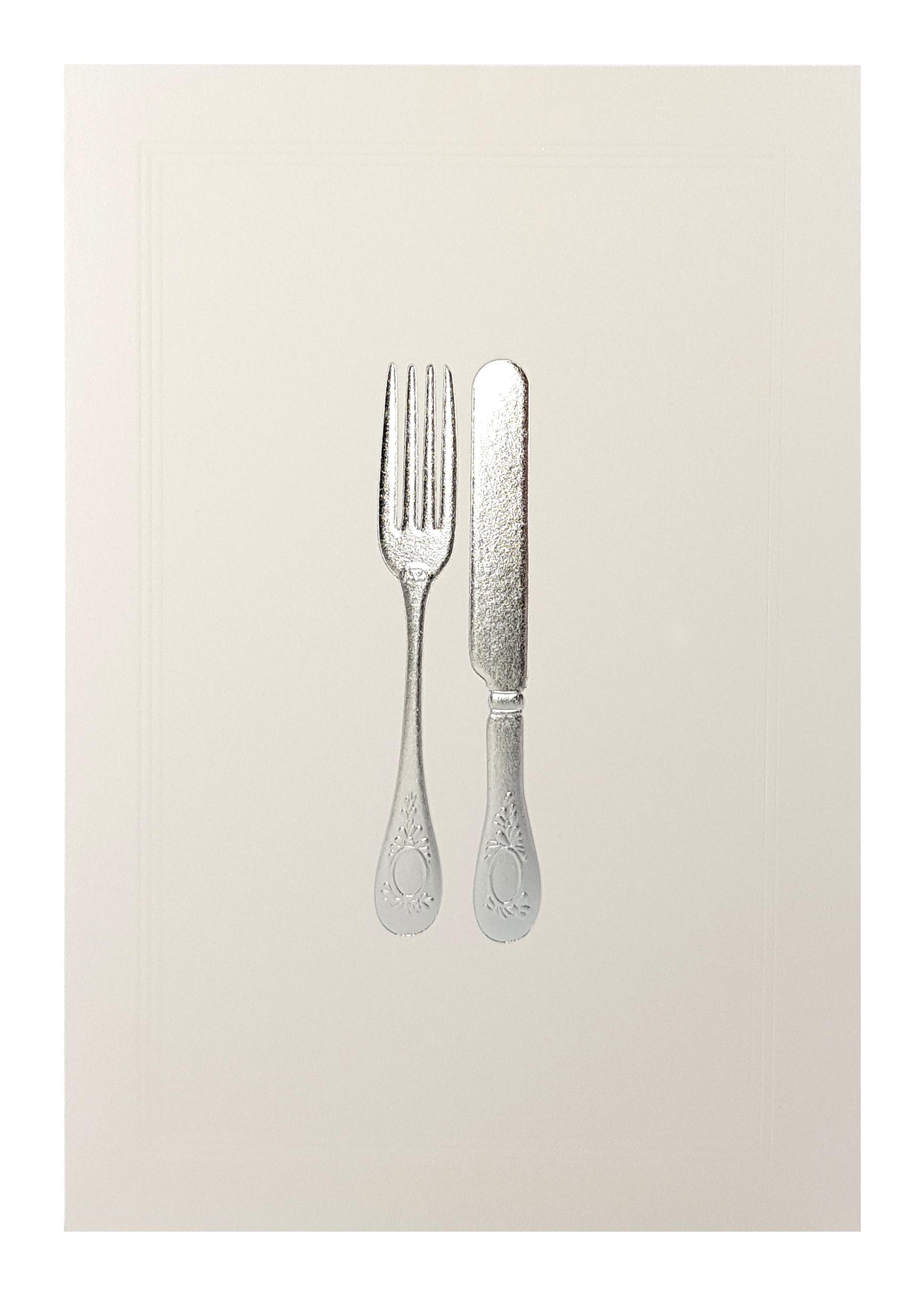 Carte de menu blanche couverts argentés. Réf. 210