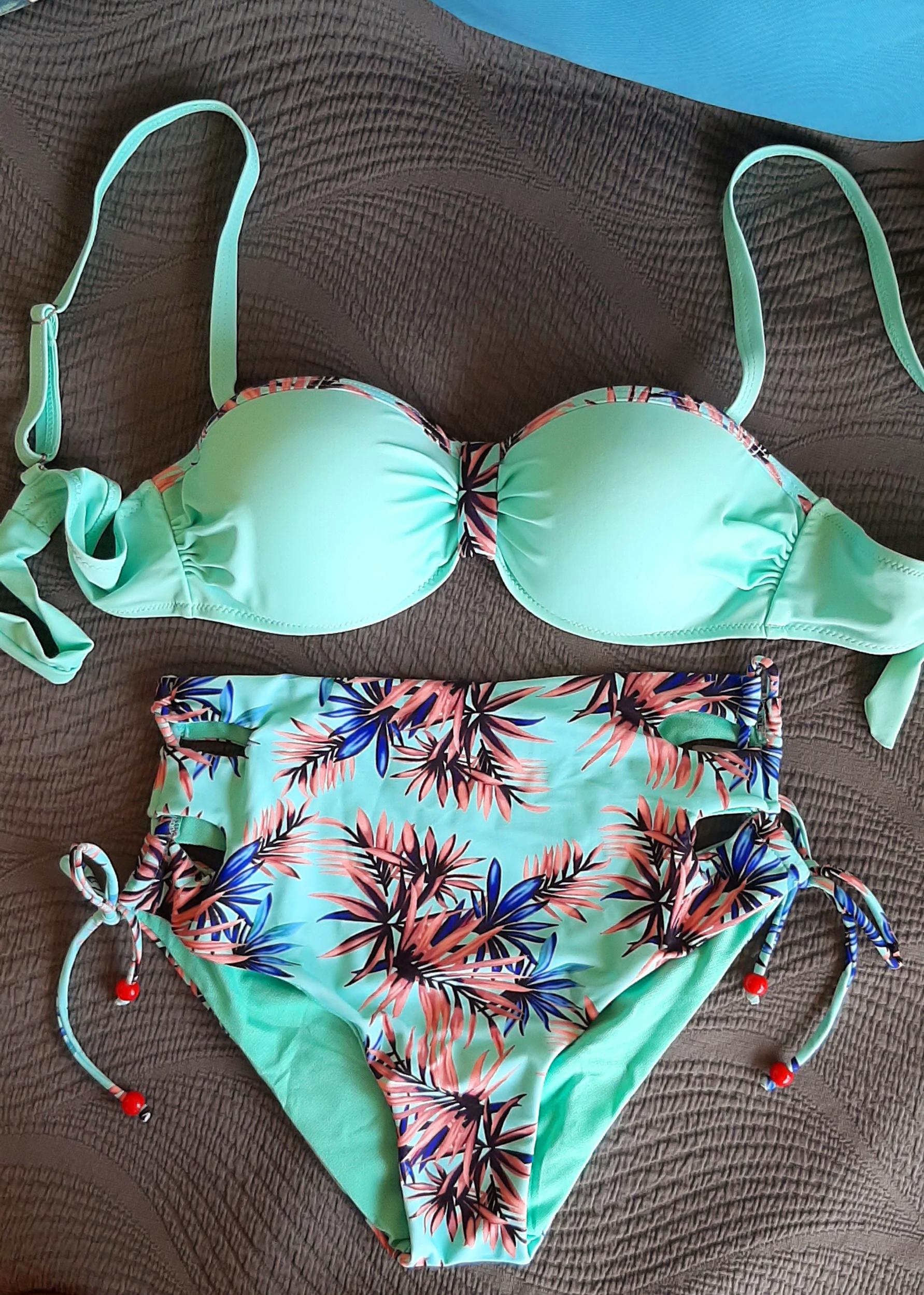 Maillot de bain culotte haute vert pastel
