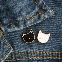 Broche pin's Chat black & white