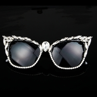 Lunettes de soleil de star Cat Eye glam-glam