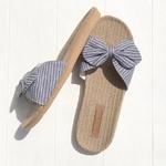 Les Mauricettes claquettes bleues légères plage et confort