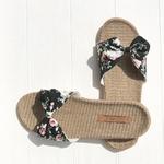 Les Mauricettes claquettes fleurs légères plage et sandalettes
