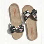 Les Mauricettes claquettes fleurs légères plage et vacances