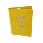 etui-passeport-suedine-jaune-personnalisable-alex-dore