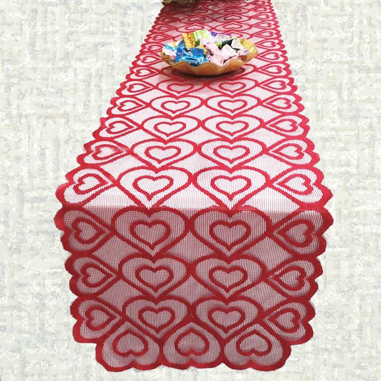 Chemin de table Saint Valentin dentelle