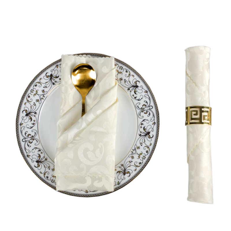 serviettes-de-table-en-tissu-pliage-et-presentation-mariage