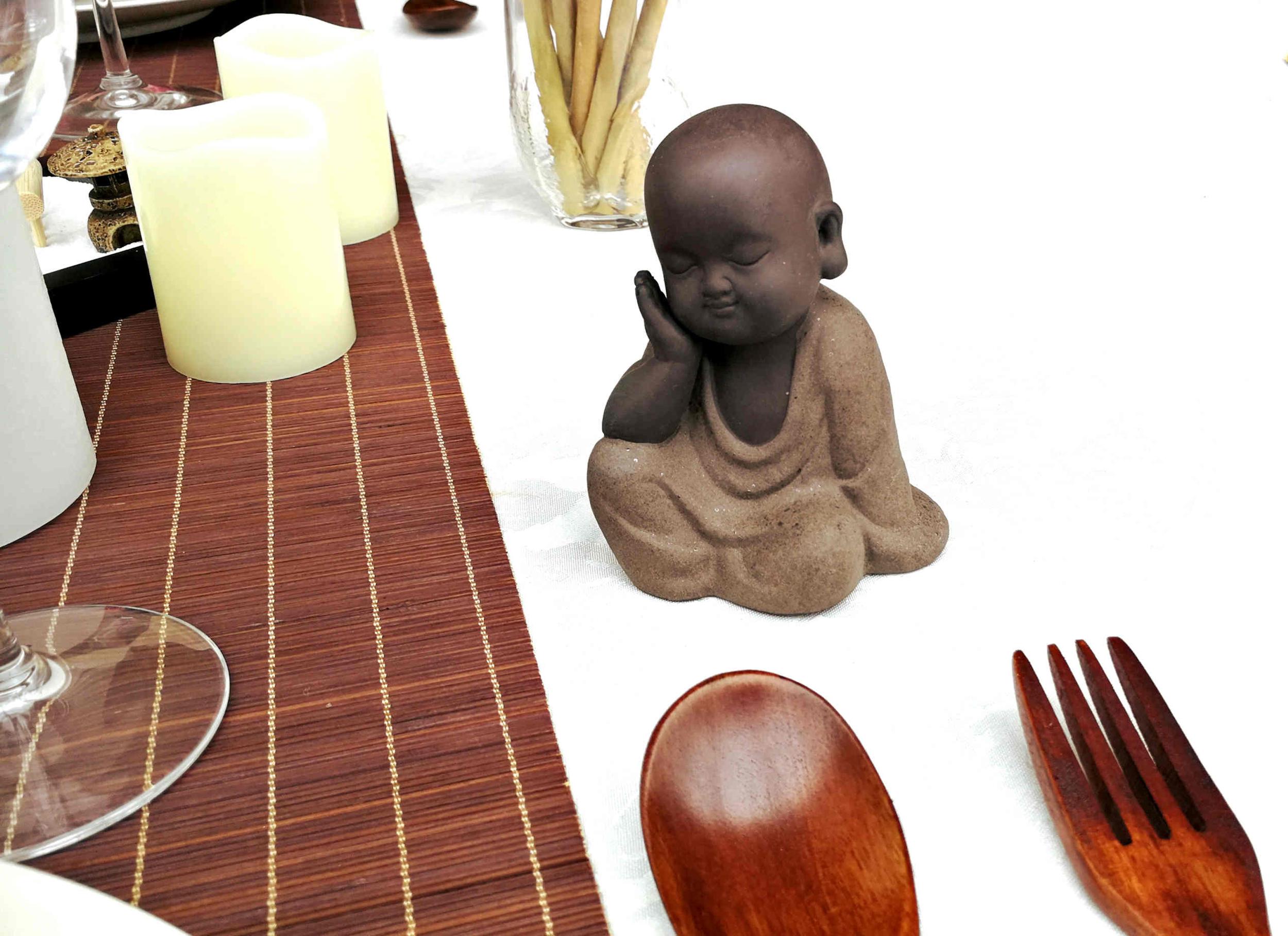 Décoration de table Zen avec statuette bouddha assis
