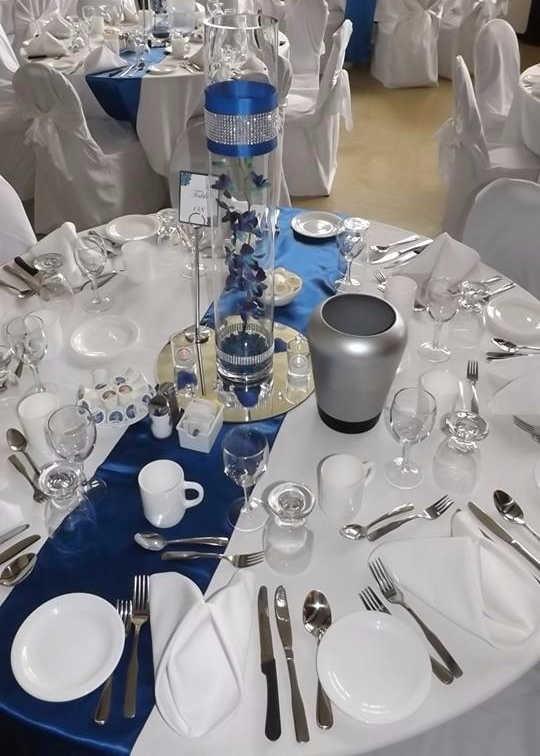 décoration de table de mariage en satin