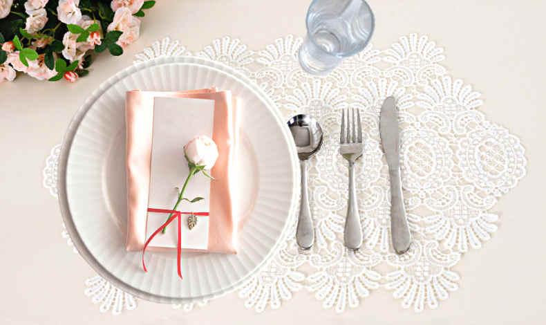 deco de table avec dentelle mariage