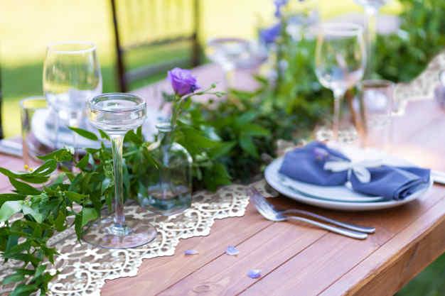deco de table végétaux et dentelle mariage