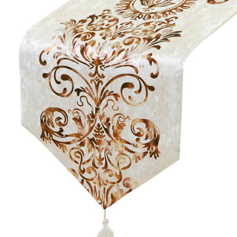 chemin-de-table-arabesque-dore