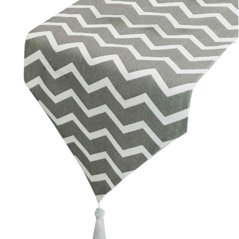 chemin-de-table-chevron-gris
