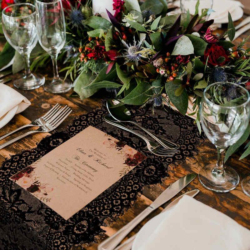 chemin de table en dentelle pour mariage