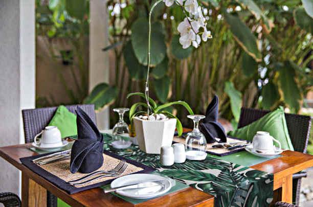 deco de table végétale et tropique