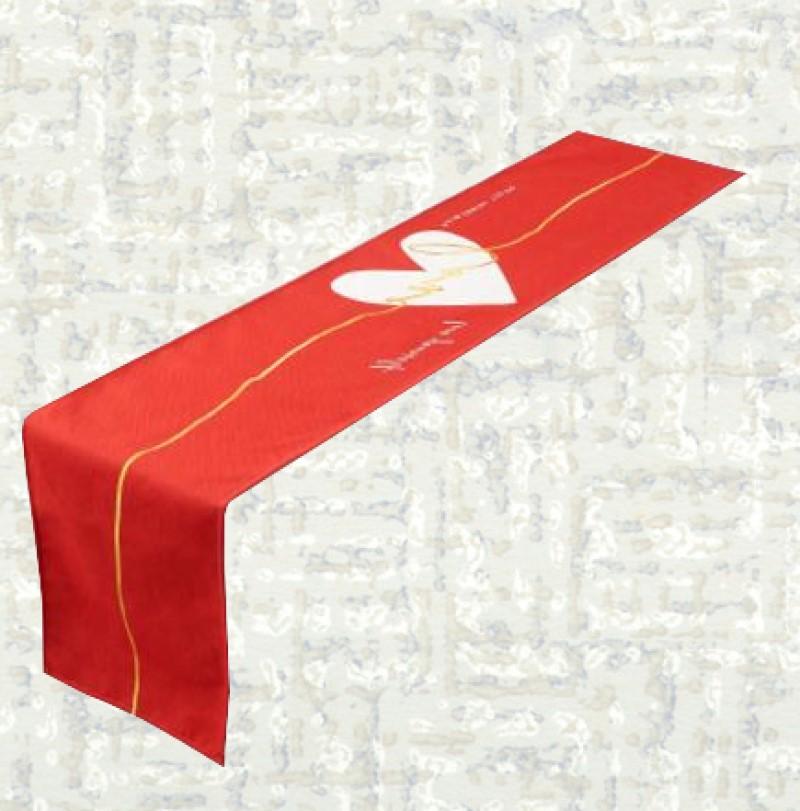 Chemin de table saint valentin coeur