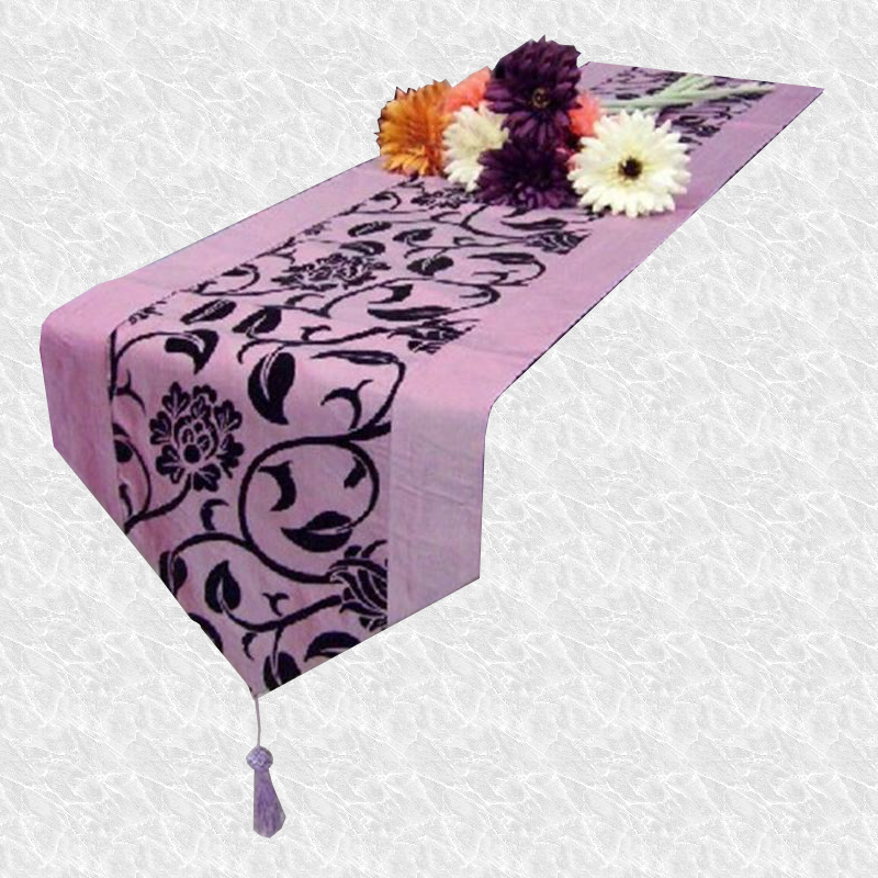 Chemin de table arabesque violet