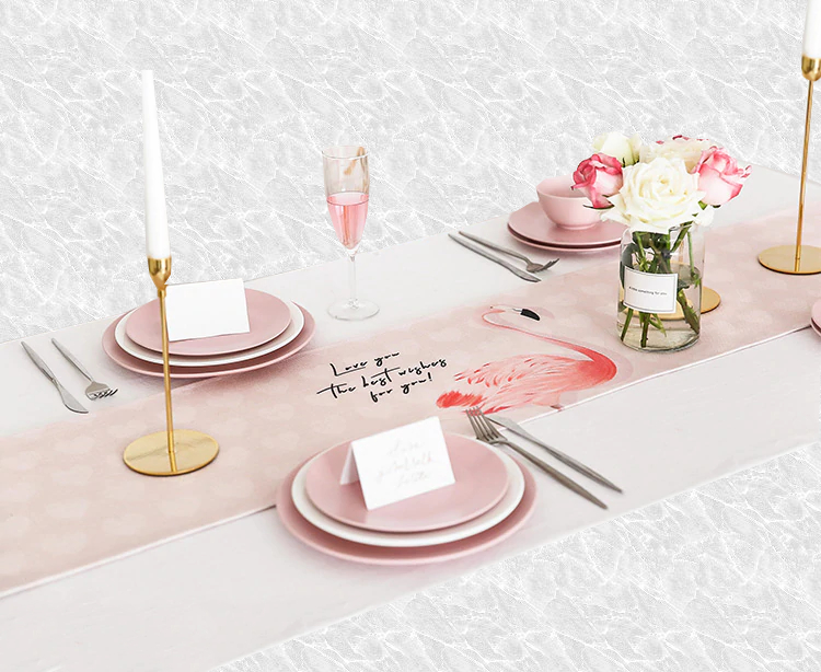 Chemin de table flamant rose