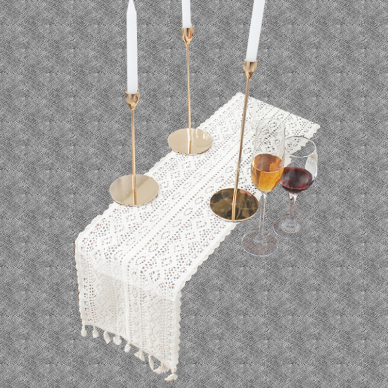 Chemin de table crochet moderne