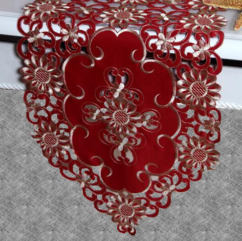 Chemin de table dentelle rouge