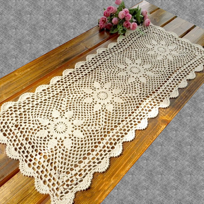 Chemin de table au crochet rustique
