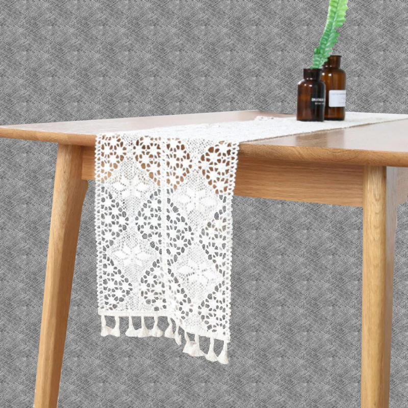 Chemin de table au crochet pour Noël