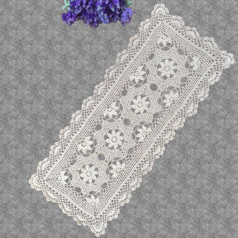 chemin de table rectangulaire au crochet