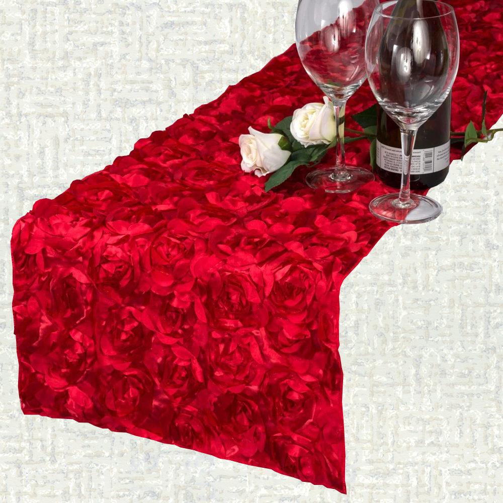 Chemin de table saint valentin tapis de roses