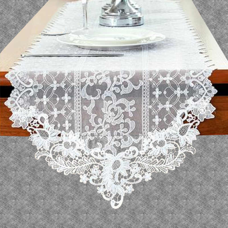 Chemin de table dentelle comtesse