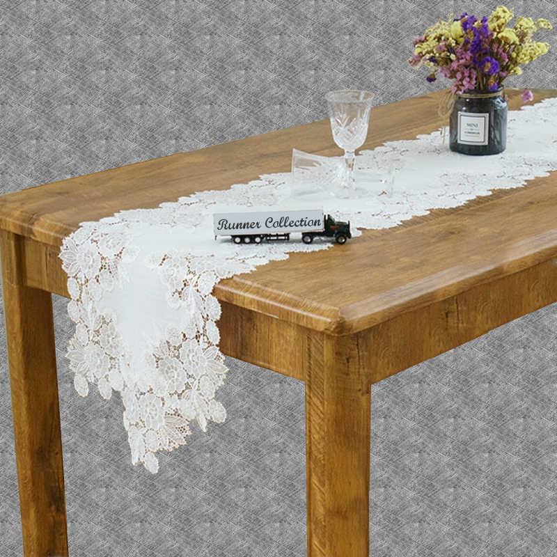 Chemin de table dentelle fleurie