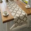 chemin-de-table-motif-geometrique-carreaux-beige