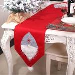 chemin-de-table-rouge-pour-noel-gnome