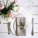 serviettes-de-table-en-lin-gris-mariage