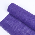 chemin-de-table-toile-de-jute-violet-mariage-rouleau