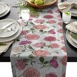 chemin-de-table-printanier-roses-fleurs