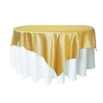 nappe-carree-tissu-satin-mariage-blanc-dore