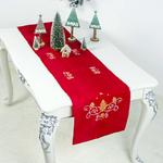 chemin-de-table-de-noel-rouge-sapin