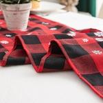 chemin-de-table-noel-carreaux-noirs-rouges