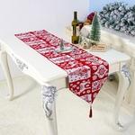 chemin-de-table-noel-rouge-et-blanc-sapin
