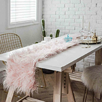chemin-de-table-fourrure-rose-noel