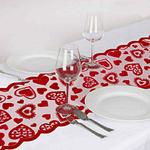 chemin-de-table-coeur-rouge-amour