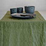 chemin-de-table-en-lin-vert-naturel