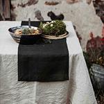 chemin-de-table-en-lin-noir-naturelle