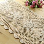 chemin-de-table-fleurs-au-crochet-coton