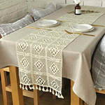 chemin-de-table-crochet-a-carreaux-beige